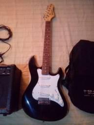 Guitarra + Amplificador + Capa + 3 palhetas + Cabo