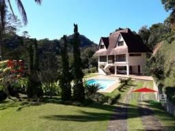 Casa no centro de Domingos Martins ES