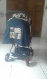 Vendo carrinho de bebê masculino