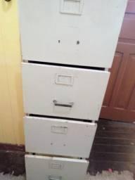 Arquivo com 4 gavetas