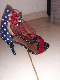 Sapatos super conservados e pouco usados