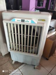 Roto climatizador grande com colméia usado no Pregão 2 Irmãos