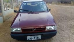 Fiat uno bem concervado 1996,em dias no ponto de referência.
