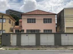 Alugo casa no Espinheiro com 322m2