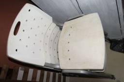 Cadeira Empilhável Plástica Secretaria Branco
