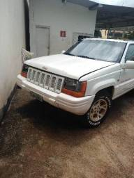 Jeep Grand Cherokee Limited 4x4 V8 automátic
