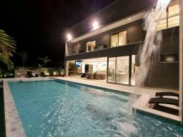 Casa para venda possui 589 metros quadrados com 5 quartos em Riviera - Bertioga - SP