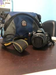 Título do anúncio: Máquina fotográfica Nikon D3000