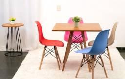 Mesa estilo eiffell tampo madeira  maciço + 4 cadeiras