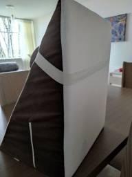 Título do anúncio: Travesseiro e encosto triangular