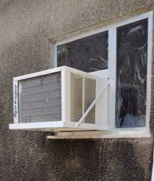 Suporte de ar condicionado de janela sob medida