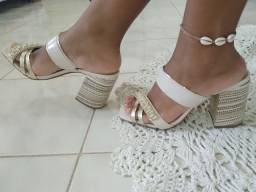 Sandália Crysalis - salto 9cm - Usado.