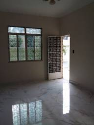 Casa Ampla em Vista Alegre, 02 Quartos, Terraço Amplo Coberto, Garagem