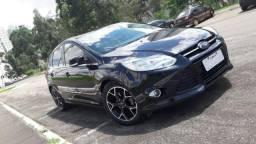 Ford Focus 2.0 Titanium - conservadíssimo - Hatch - 2014