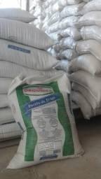 Farelo de trigo, arroz e milho