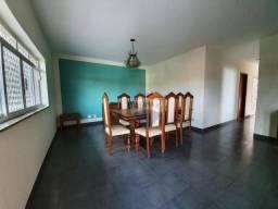 Casa com 3 dormitórios para alugar, 207 m² por R$ 3.601,00/mês - Vila São José - Várzea Pa