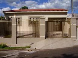 Título do anúncio: Casa à venda com 3 dormitórios em Vila dalva, Arapongas cod:00147.005