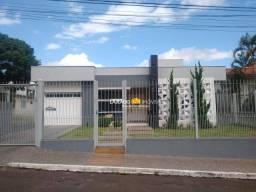 Casa com 3 dormitórios para alugar, 180 m² por R$ 4.720/mês - Centro - Lajeado/RS