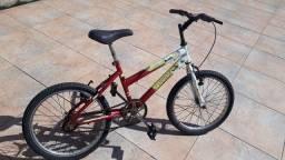 Bicicleta aro 20 com as duas câmeras novas e pneus novos