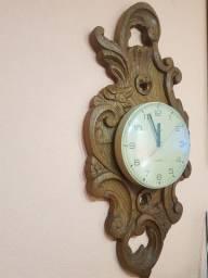 Lindo Relógio KIENZLE Madeira entalhada