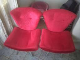 Cadeiras poltronas.