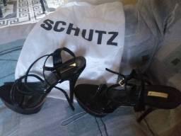 Salto SCHUTZ
