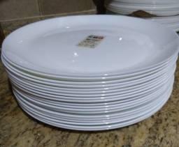 Título do anúncio: Pratos Brancos Lisos Loona / Arcoroc - Lote