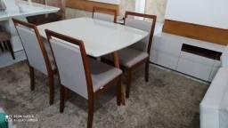 Título do anúncio: Mesa de jantar de 4  de madeira maciça