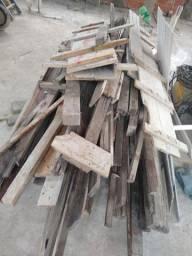 Título do anúncio: Escora 2,00  de madeira e eucalipto