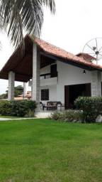 1884 - Casa - 05 Qts/03 Suítes - 10 Vagas - Mobiliado - Jardim - 300 m² - Serrambi