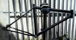 Título do anúncio: Quadro Aço Carbono aro 26 tamanho 18 preto V brake