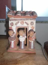 Escultura De Barro Representando Os Três Reis-magos