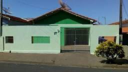 Casa bem localizada em Artur Nogueira-SP, aceita financiamento. (CA0112)