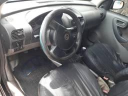 Corsa Hatch em dias 7200$ - 2005