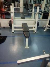 Banco de Supino Life Fitness