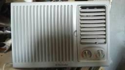 Ar condicionado 7500BTUs quente e frio