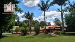 Chácara dos sonhos em Socorro: lago, campo de futebol., pomar, área gourmet