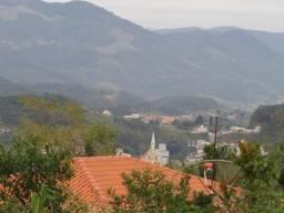 Terrenos em Santo Amaro da Imperatriz - A 1000 metros da praça