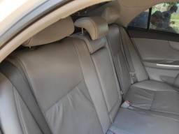 Toyota Corolla conservadíssimo - 2014
