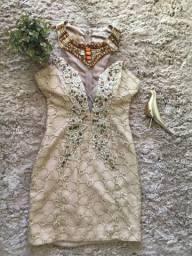 Vestido dourado lindo?