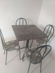 Título do anúncio: Mesa de mármore com quatro cadeiras