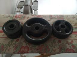 40 kgs de anilhas e halteres de ferro