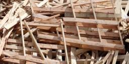 Se tiver pessoas que tiver resto de madeira para doar sou de Apucarana.