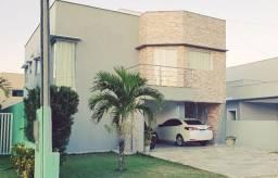 Casa no Green Club II com sistema de geração de energia solar- 3 quartos, 180m²