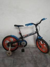 Bicicleta- Caloi Hot Wheels 16