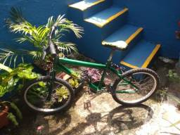Título do anúncio: Bike Customizada Seminova Completa