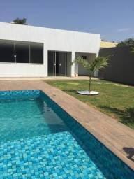 Belíssima casa moderna em Vicente Pires com piscina e churrasqueira