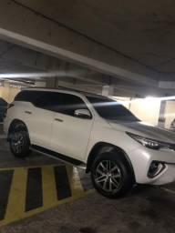 Toyota hilux sw4 2.8 srx 4x4 7 lugares 16v turbo intercooler diesel 4p automático - 2017