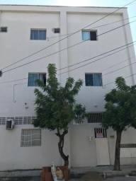 Alugo apartamento no Alecrim, sua moradia no centro da cidade