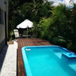Casa ampla com piscina e salão de festas